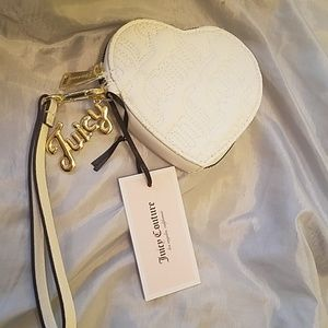 Juicy couture white wristlet quilted NWT